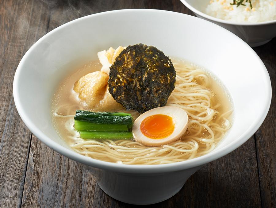 木村さんの優勝作品「うま味海苔出汁そば」。全国15店舗の一風堂で販売。一風堂